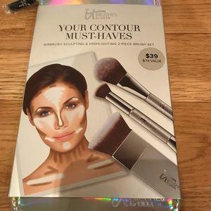 New It Cosmetics brush set
